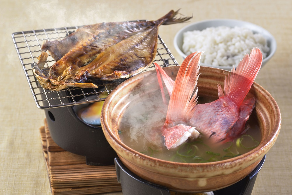 【朝食付】1日の始まりは朝食から!アジの干物や、あら汁など、品数豊富な和朝食