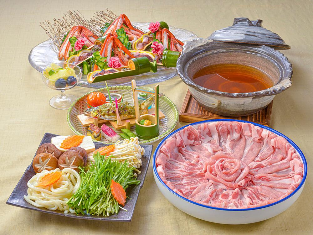 【夕食・朝食付】まるごと鮑のクリームグラタンと近江大倉和牛すき鍋おすすめ会席|11月まで