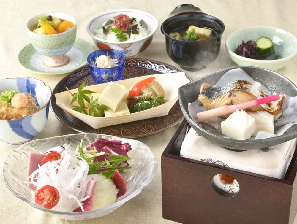 【朝食付】海の見えるレストランで1日の始まりを朝食から!地元食材も利用した和朝食