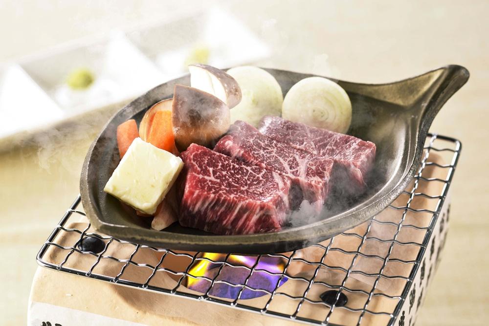 【夕食・朝食付】(飲み放題付)黒毛和牛陶板焼きと銘柄豚ふじのくにポークの胡麻味噌鍋のおすすめ御膳