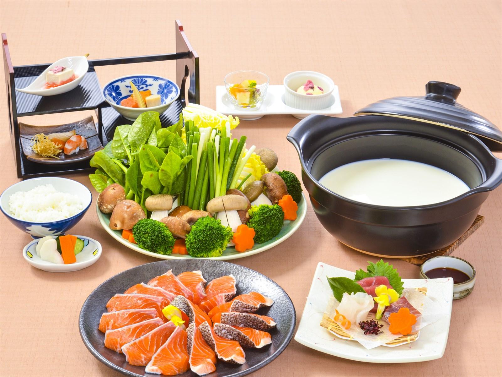 【夕食・朝食付】(飲み放題付)【夕食・朝食付】桜鱒と伊豆食材のクリーム鍋や造り・小鉢等もある春の御膳