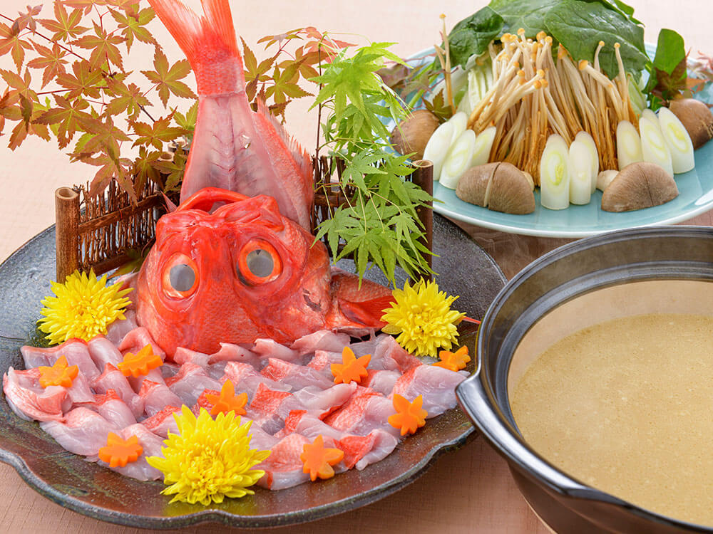 【夕食・朝食付】魚介の旨味染み出る! プリプリの金目鯛胡麻味噌鍋御膳|11月まで