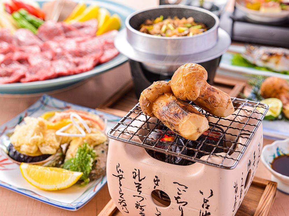 【夕食・朝食付】香りを味わう『松茸の炭火焼』と霜降り『近江牛』陶板焼き特選御膳|11月まで