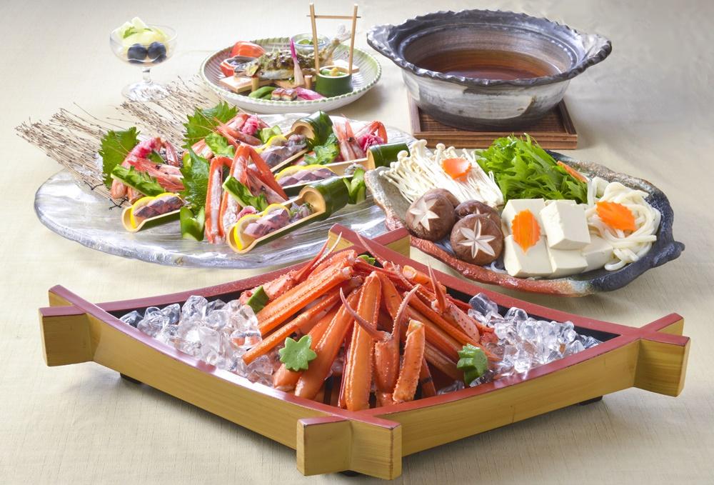 【夕食・朝食付】但馬牛陶板焼きと香住産 紅ガニ (茹で姿、お造り、鍋、雑炊など)の特撰御膳 8月まで