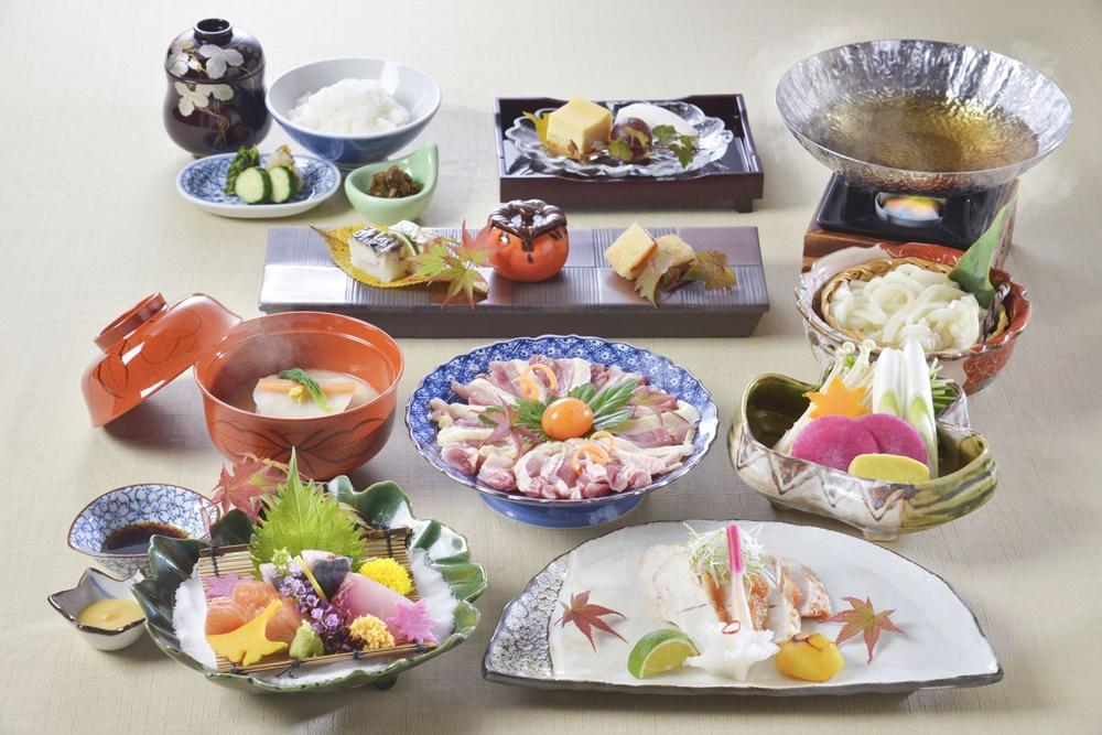 【夕食・朝食付】近江軍鶏の西京焼きと水炊きがついた『近江軍鶏おすすめ会席』11月まで