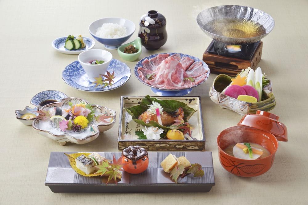 【夕食・朝食付】(飲み放題付)琵琶湖食材もたっぷりの『黒豚ロースしゃぶしゃぶ会席』11月まで