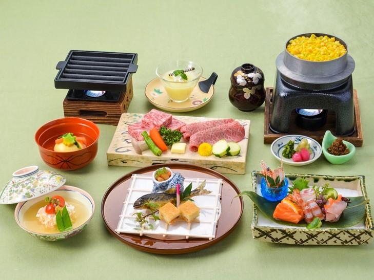 【夕食・朝食付】『近江牛』リブロースとみすじを一度に味わえる 至高の食べ比べ特撰会席|8月まで