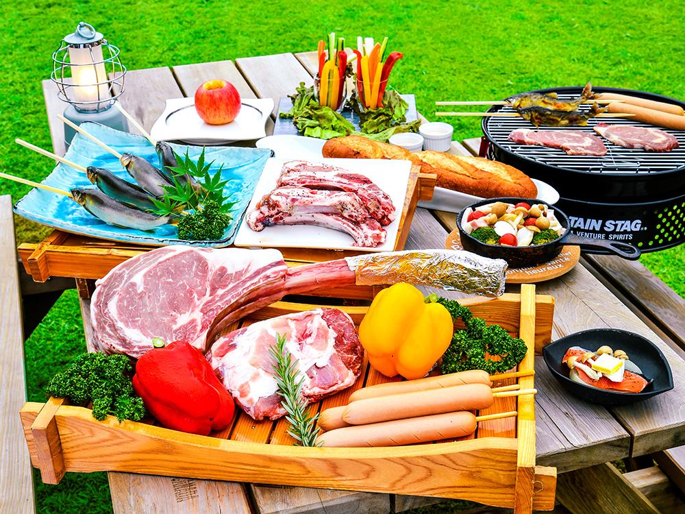 【夕食・朝食付】ディナーは、家族や仲間とダイナミックBBQ 豪快トマホークステーキや鮎の原始焼きなど