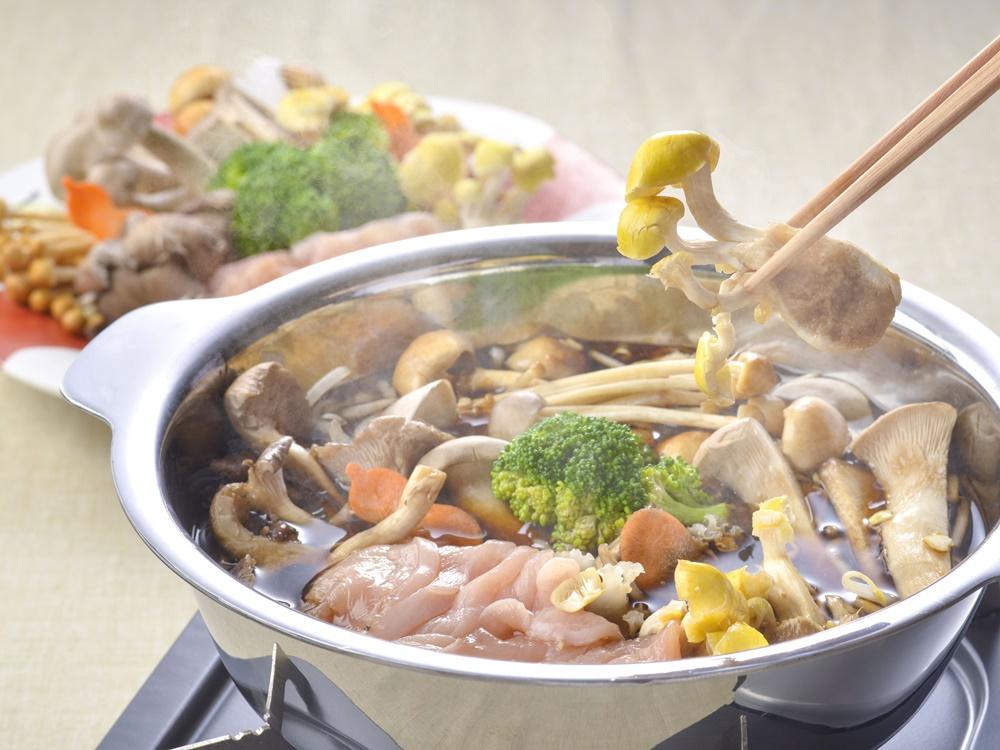 【夕食・朝食付】料理グレードアップ|鮑バター焼き付近江大倉和牛ときのこのしゃぶしゃぶ特撰御膳|5月迄