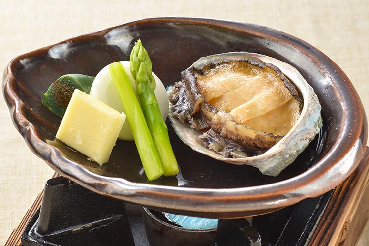 【夕食・朝食付】鮑バター焼とブラックスープのきのこしゃぶしゃぶのおすすめ御膳料理
